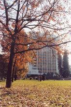 怡山校区--科学楼,枫叶林